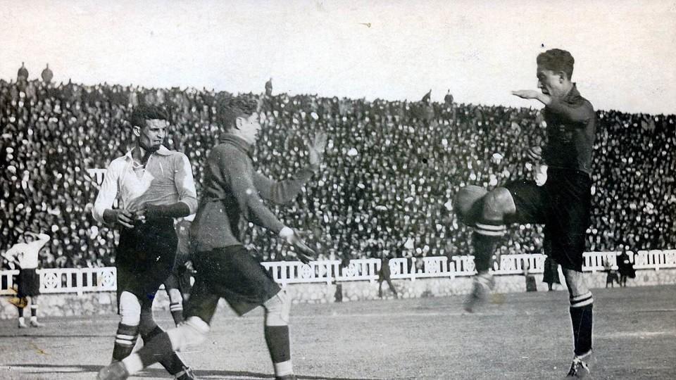 Paulino Alcántara (1912–16, 1918–27), 143 gól